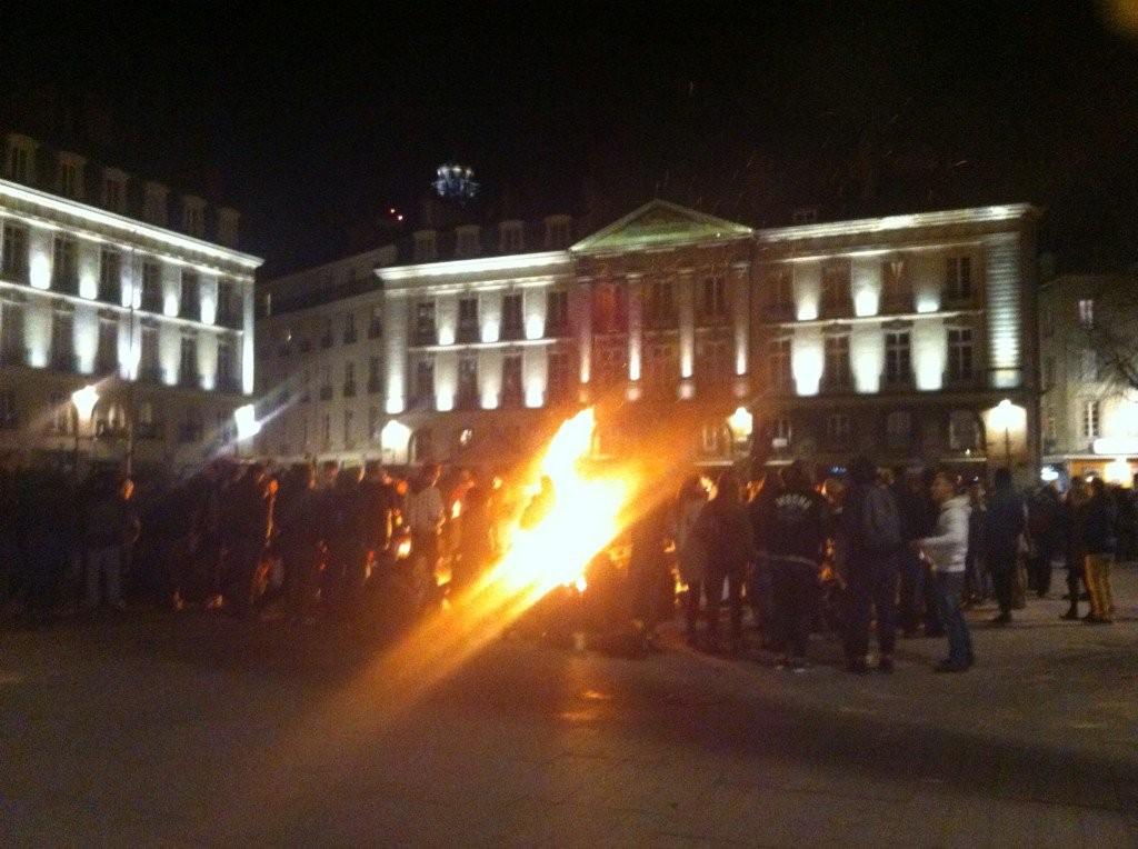 nuitdebout-nantes-36mars-feu